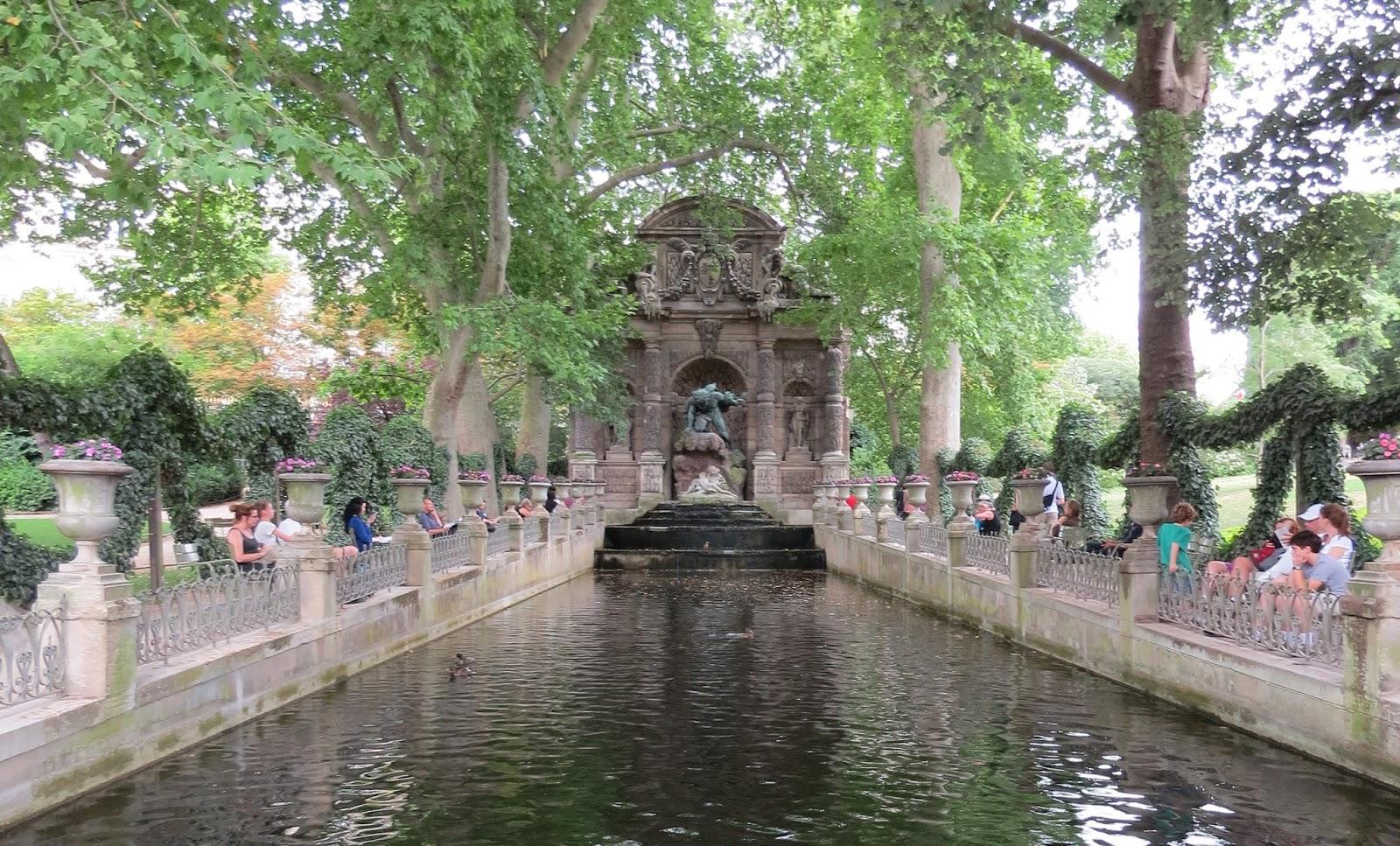 Fonte no Jardim de Luxemburgo
