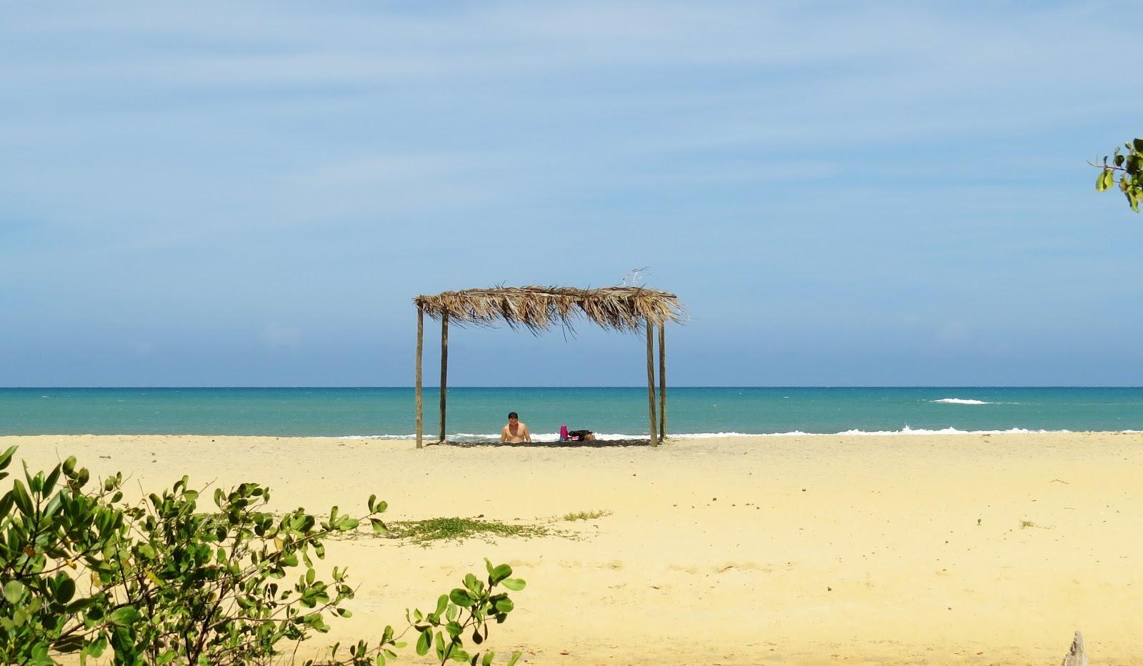praia do espelho à esquerda de Curuípe