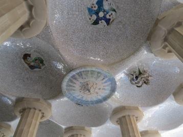 Park Guel Barcelobna detalhe teto