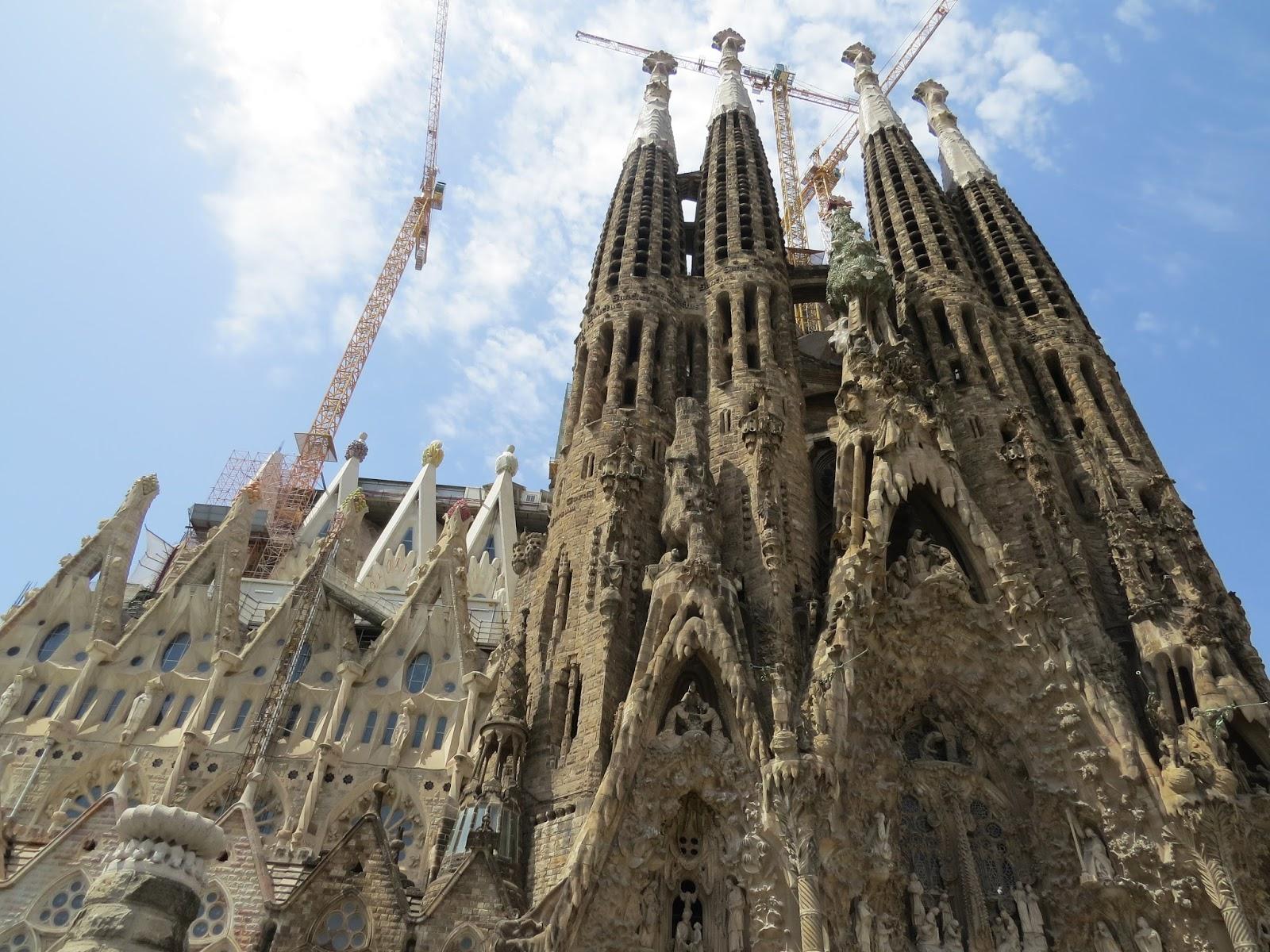 Fachada do Nascimento da Sagrada Família