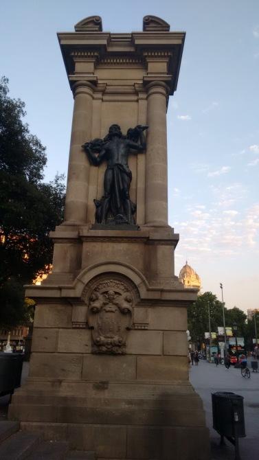 uma das entradas para Las Ramblas Barcelona