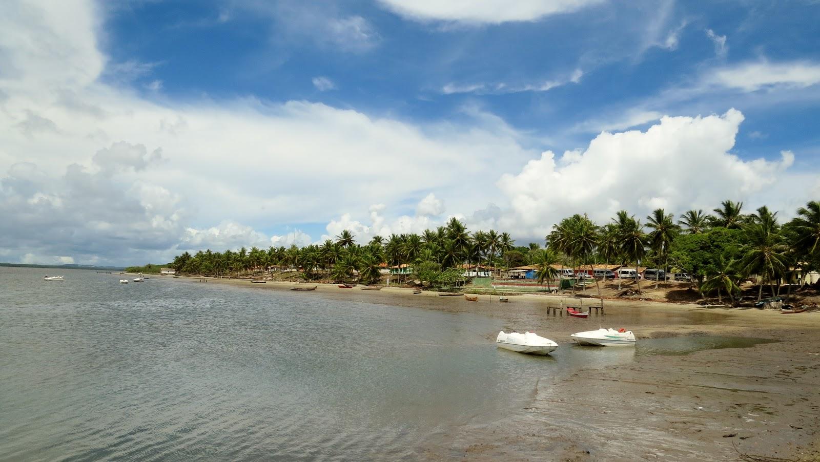 Barcos para Mangue Seco partem do Vilarejo de Pontal