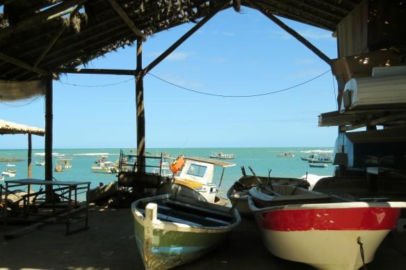 praia-do-forte-barco
