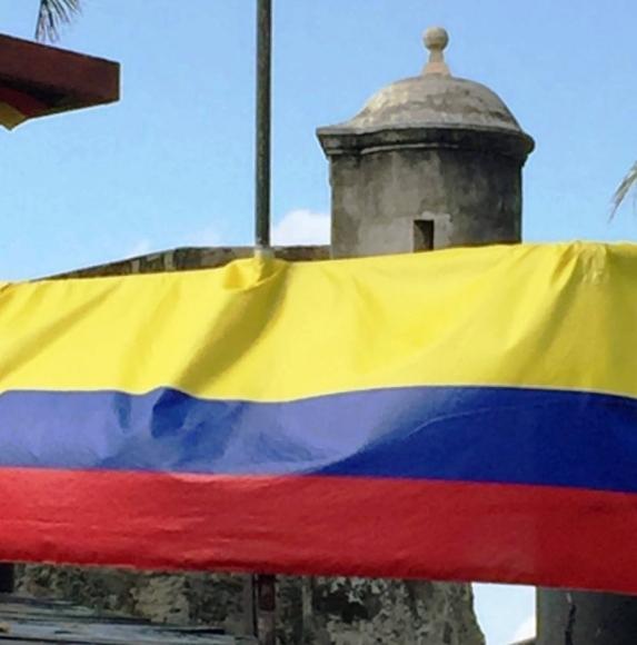 Bandeira da Colômbia no Castelo de São Felipe