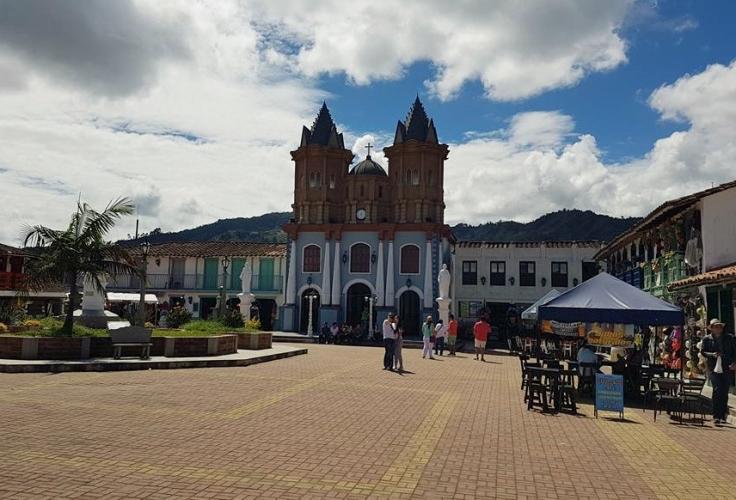Guatapé-cidade-penol