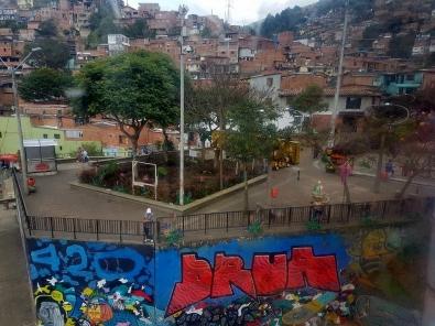 favela-medellin-2