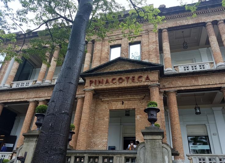 Pinacoteca-fachada