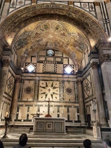 florença-batistério-interior-altar2