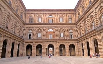 florença-palazzo-pitti-pátio