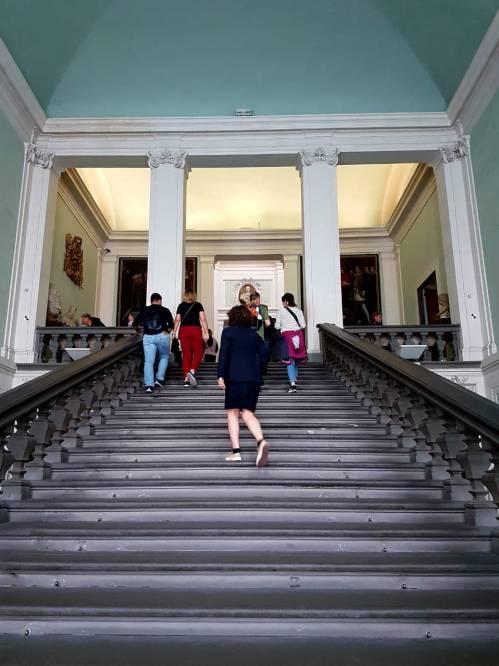 Escada de acesso da Galleria Uffizi