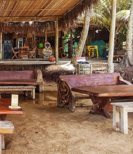 península-de-maraú-ponta-do-mutá-barraca-de praia