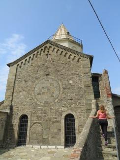 corniglia-velha-igreja-de pedra