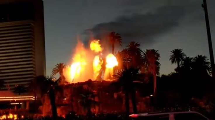 show Volcano Mirage Las Vegas