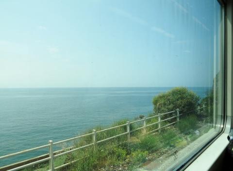 Trem em Cinque Terre tem poucos trechos panorâmicos