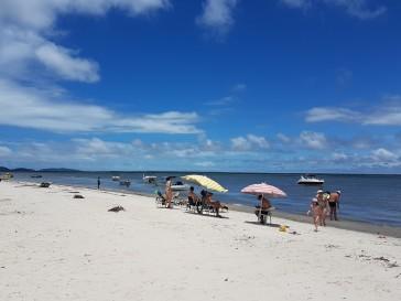 praia-ilha-das-peças