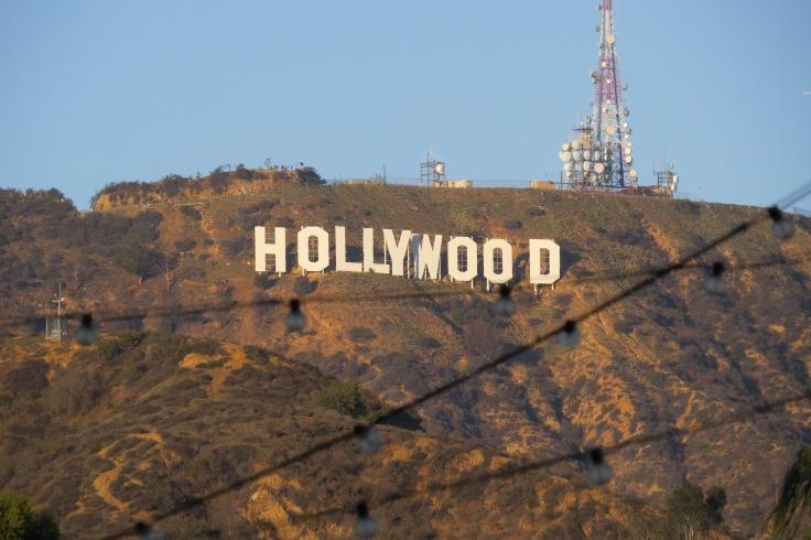Letreiro Hollywood visto do shopping