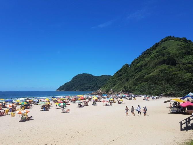o-que-fazer-em-um-dia-no-Guarujá-praia-do-tombo