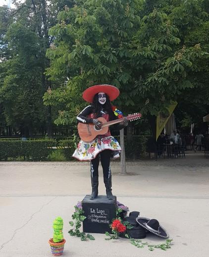 parque-del-retiro-músico-de-rua