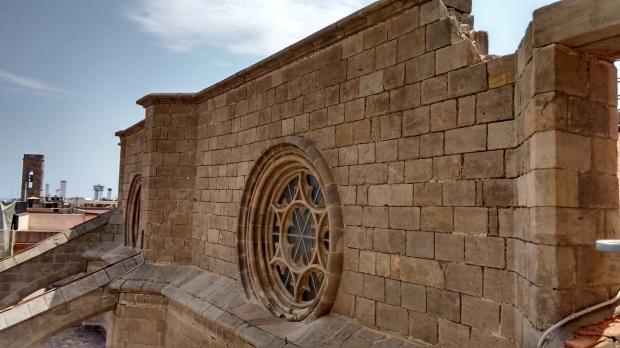 catedral-gótica-barcelona-torre-detalhe