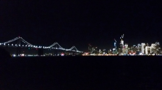 Vista noturna da Golden Gate