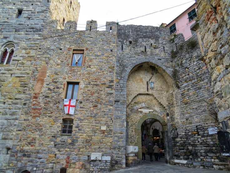 Entrada do centro medieval de Portovenere