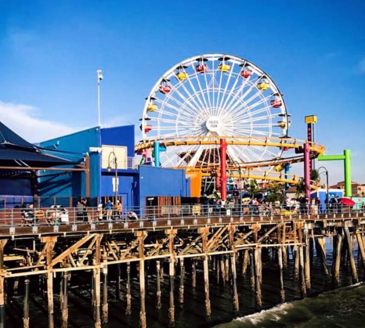 Pier e parque em Santa Mônica Los Angeles