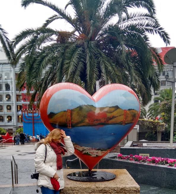 Escultura de coração na Union Square San Francisco