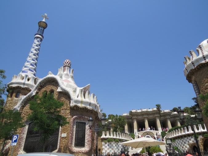 park-guell-barcelona-vista-frontal