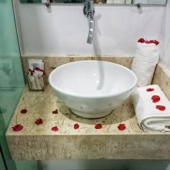 pedra-do-sino-hotel-banheiro